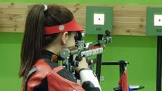 Jocurile Europene | Sportiva din România, Laura Coman, a cucerit medalia de aur în proba de pușcă aer comprimat