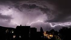 România | Cod galben de furtuni valabil pentru aproape toată ţara