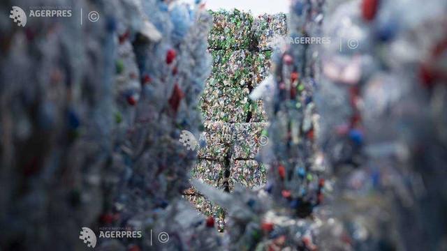 O companie germană afirmă că poate să transforme deşeurile plastice în carburant