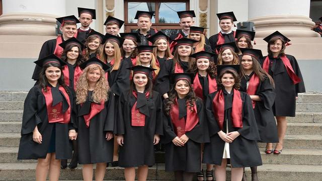Peste 600 de absolvenți ai USMF au depus jurământul lui Hippocrates