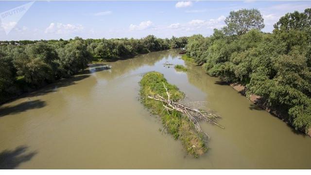 În diferite sectoare ale râului Prut nivelul apei va scădea şi va creşte