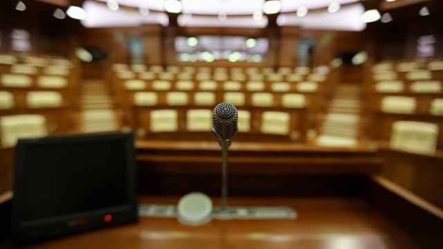 Parlamentul se întrunește astăzi, în ședință urmează să se stabilească data alegerilor locale
