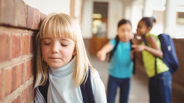 Circa 33.000 de copii au cerut consiliere la Telefonul Copilului. Sentimentul de singurătate și hărțuirea, printre cele mai frecvente probleme cu care se confruntă