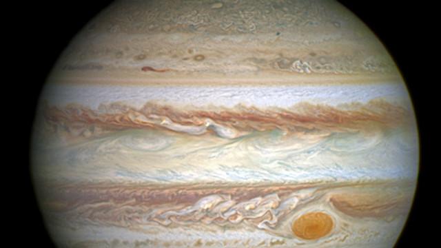 """Oamenii de știință au găsit """"sare de masă"""" pe Europa, un satelit planetei Jupiter"""