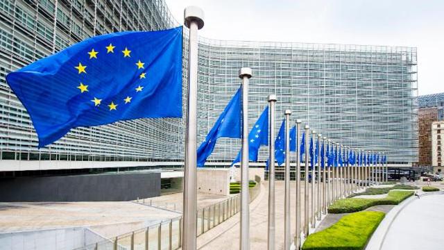 Treisprezece state membre ale UE cer integrarea mai rapidă a Balcanilor Occidentali