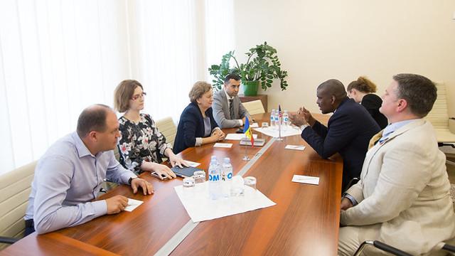 Zinaida Greceanîi a avut o întrevedere cu ambasadorul SUA la Chișinău, Dereck J. Hogan