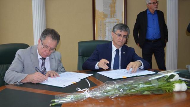 Masteranzii Facultății de Istorie a USM vor primi la absolvire și diploma Universității din București