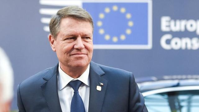 Alegătorii din R.Moldova care dețin și cetățenia României vor putea vota prin corespondență. Klaus Iohannis a promulgat legea