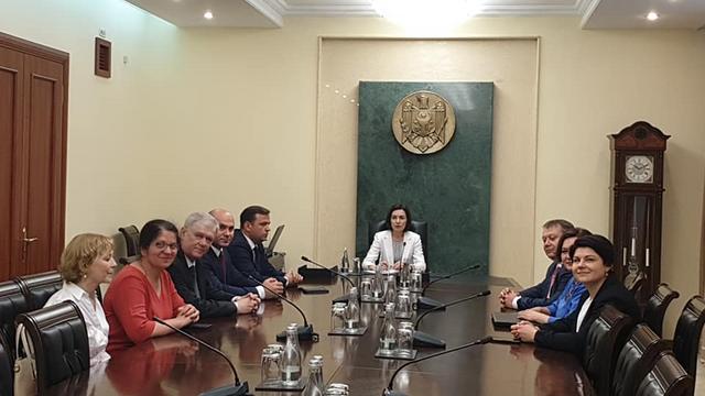 LIVE VIDEO | Premierul Maia Sandu a anunțat, după ședința Guvernului, anularea manifestației de duminică (UPDATE)