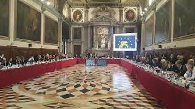 Prima reacție după discuțiile la Comisia de la Veneția: se așteaptă demisia tuturor judecătorilor CC (ZDG)