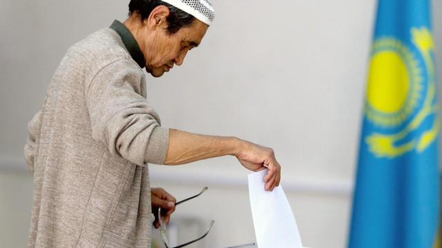 Observatorii internaţionali denunţă respectarea insuficientă a standardelor democratice la alegerile din Kazahstan