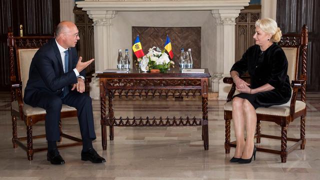 Filip a discutat la Iași cu Dăncilă despre grădinițe, calea ferată, gazoductul Ungheni-Chișinău și roaming