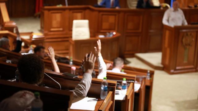 """Deputații PSRM și ACUM au declarat Republica Moldova """"stat captiv"""""""