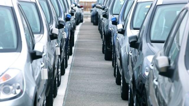 Au facilități la importul automobilelor, dar nu se pot bucura de ele