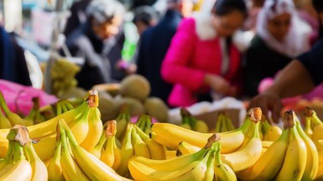 Chinezii au început să cumpere cantităţi record de banane din străinătate