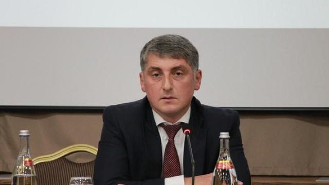 Peste 700 de persoane au semnat o petiție online prin care cer demisia procurorului general, Eduard Harunjen