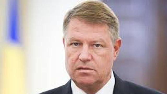 """Klaus Iohannis a salutat """"ieșirea din criză"""" în Republica Moldova"""