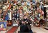"""Expoziție Glebus Sainciuc, 100 de ani """"Aș face măști întregului glob pământesc"""""""