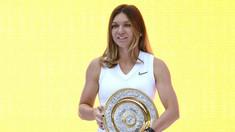 FOTO/VIDEO | Simona Halep a prezentat acasă, la Constanţa, trofeul de la Wimbledon, aclamată de mii de români