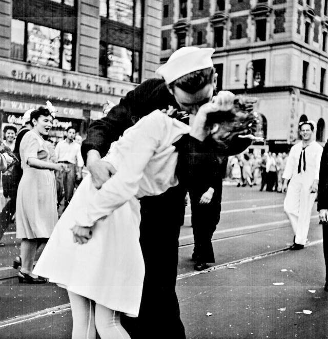 Ziua internaţională a sărutului este sărbătorită astăzi