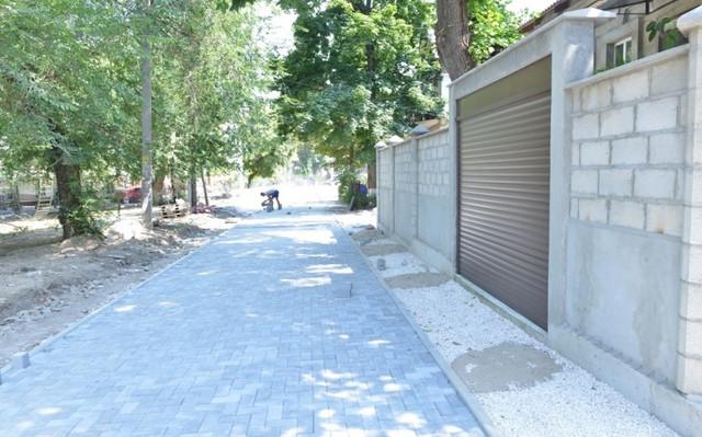 FOTO | Lucrările de reabilitare a scuarului din strada G.Coșbuc sunt realizate în proporție de 50%