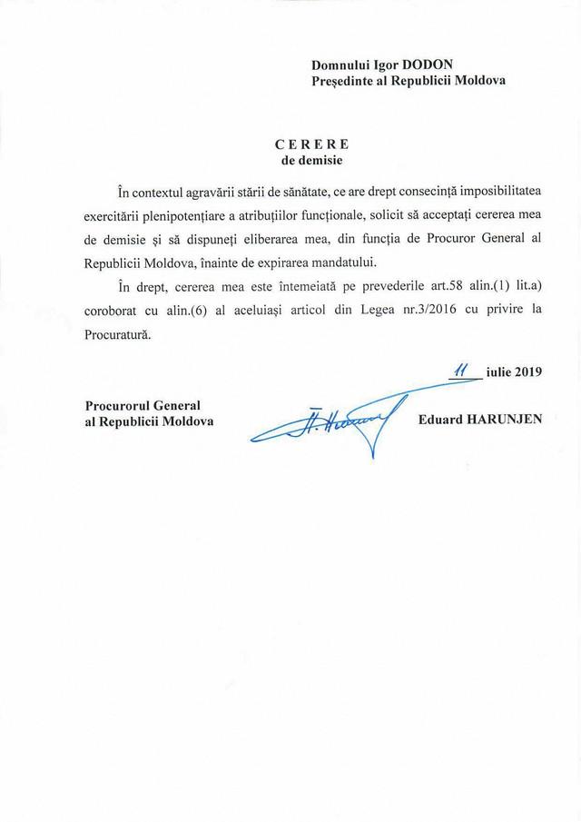 DOC   Eduard Harunjen declară că a decis să demisioneze acum pentru a pleca cu capul sus, însă în cerere invocă alte motive. Ce spune despre sesizarea lui Andrei Năstase