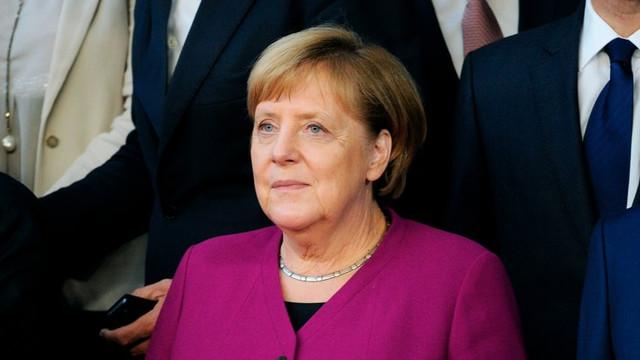 PORTRET: Cea mai puternică femeie din lume împlineşte 65 de ani