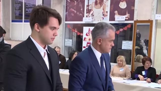 VIDEO   Timofei Plahotniuc și-a sărbătorit ziua de naștere la Chișinău, pe când tatăl său mai era în R.Moldova (Unimedia)