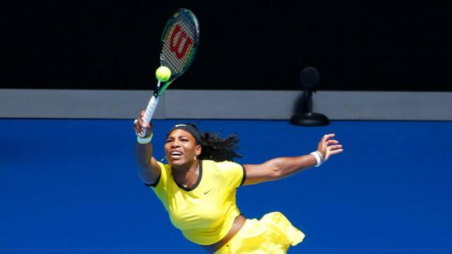 Tenis | Serena Williams, amendată cu 10.000 de dolari pentru deteriorarea unui teren de la Wimbledon