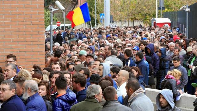 Aproape 10 milioane de cetățeni români sunt plecați în străinătate