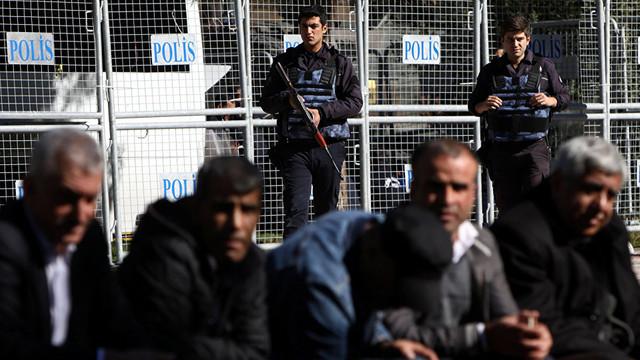 Arestări în Turcia | Peste o sută de persoane au fost reținute, suspectate de implicare în puciul eșuat din 2016