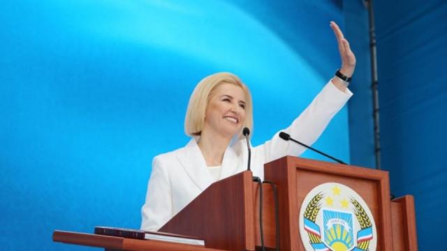 SHOW la Comrat | Irina Vlah, (re)inaugurată bașkan al Găgăuziei, cu Dodon, Greceanîi, Sandu și oficialități ruse. La final, concert cu Sofia Rotaru (FOTO/VIDEO)