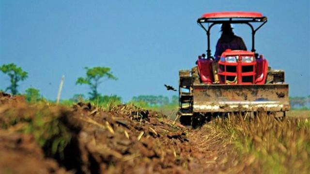 DOC | Agricultorii, revoltați de scumpirea motorinei, apelează la Guvern pentru ajutor