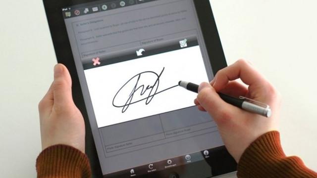 Tot mai mulți cetățeni procură semnături electronice