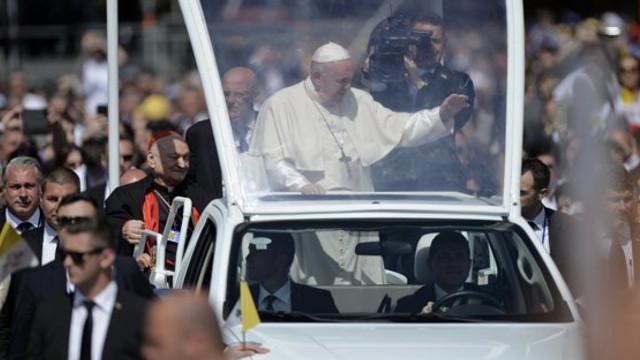 Papa Francisc a numit un nou Episcop romano-catolic pentru România