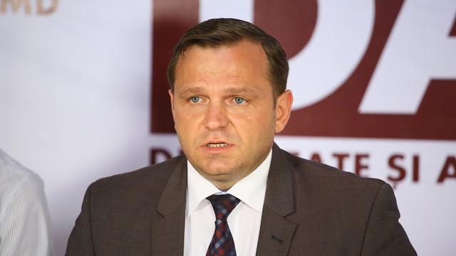 Și Andrei Năstase renunță la mandatul de deputat