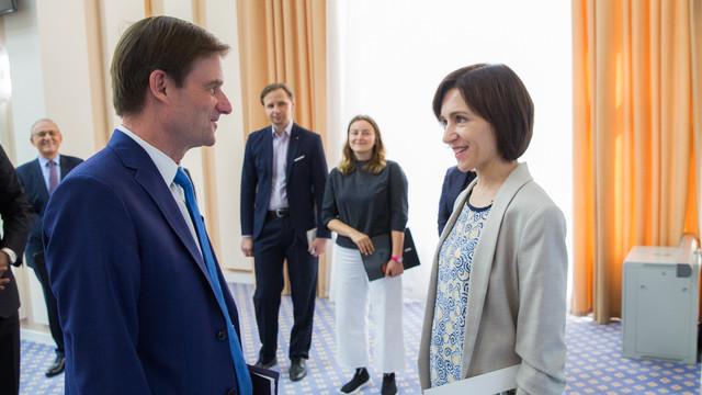 Premierul Maia Sandu a cerut, la întâlnirea cu David Hale, sprijinul SUA în lupta cu corupția, spălarea banilor și contrabanda