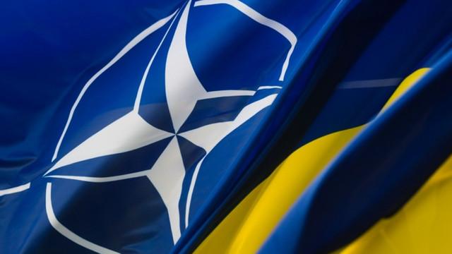 SONDAJ | Ucraina  NATO: Mai mult de jumătate sunt pentru aderare. Chiar și în Est, o treime vor în Alianță