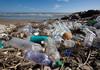 STUDIU   Microplasticul din oceane se întoarce în farfuriile oamenilor. Un om înghite echivalentul unui card bancar, de microparticule, săptămânal