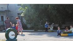 Deţinuţii Penitenciarului de la Leova au amenajat un teren de joacă pentru copii