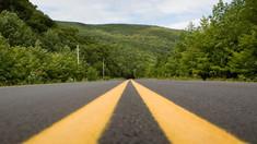 La sfârșitul lunii august, va începe reînnoirea marcajului rutier pe drumurile naționale