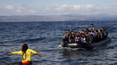 Nouă dintre migranţii care au sărit de pe nava Open Arms au fost recuperaţi
