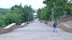 """Inaugurarea scărilor de granit din Parcul """"Valea Morilor"""", planificată pentru 27 august, se amână"""
