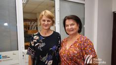 Dor de izvor | Suzana Popescu: Eu niciodată n-am fost la odihnă. Muncesc și singură îmi câștig bucata de pâine, tai buruianul, fac apicultură, am grijă de livadă, de casă