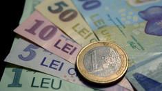 Românii care muncesc în străinătate vor putea trimite bani în ţară fără comision