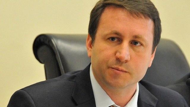 """Igor Munteanu: """"Privatizarea AIR Moldova a fost un exercițiu ineficient, netransparent și ilegal"""""""