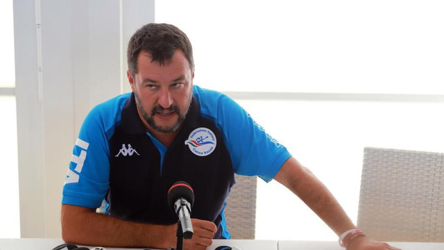 Italia | Salvini îi cere lui Richard Gere să-i găzduiască în vilele sale pe migranţii de pe nava organizaţiei Open Arms