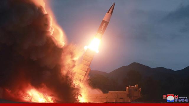Coreea de Nord a lansat două proiectile neidentificate în largul coastelor sale estice