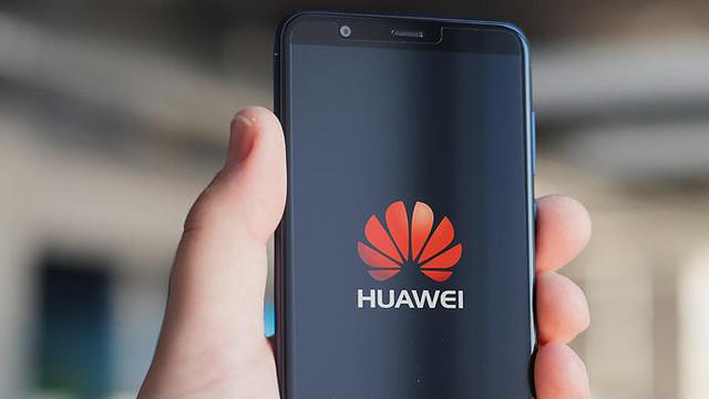 Huawei lansează telefonul care NU va avea acces la YouTube, Gmail și Google