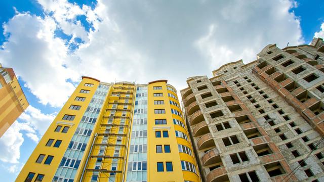 Peste trei mii și jumătate de locuințe au fost date în exploatare în prima jumătate a anului 2019